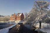 Gåsevadholms slott i vintermiljö, Halland