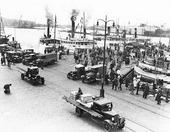 Träpiren med skärgårdsbåtar, Göteborg 30-talet