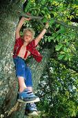 Pojke i träd