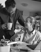 Par äter frukost