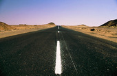 Landsväg utan trafik