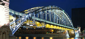 Bro i Paris, Frankrike