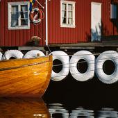 Båt vid brygga, Bohuslän