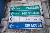 Vägskyltar på Sicilien, Italien