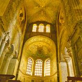 Interiör San Vitale i Ravenna, Italien