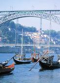 Fraktbåtar i Oporto, Portugal