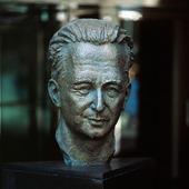 Statue of Dag Hammarskjold in New York
