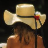 Flicka i hatt