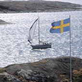 Segelbåt vid Svenska flaggan