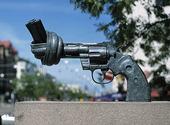 Skulptur Non Violence, Göteborg