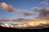 Solbelysta moln
