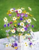 Blombukett med sommarblommor
