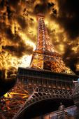 Eiffeltornet med dramatisk himmel (bildmontage)