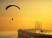 Fallskärm vid Öresundsbron, Skåne