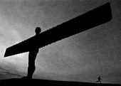 Barn vid skulpturen The Angel of the North