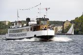 Turistbåt på Strömmen i Stockholm