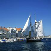 Segelfartyg vid Marstrand, Bohuslän