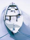 Snöfylld fritidsbåt