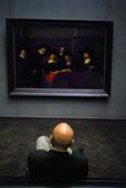 Besökare på museum
