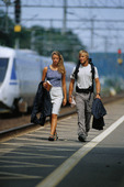 Par på järnvägsstation