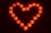Värmeljus i form av ett hjärta