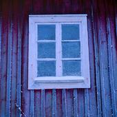 Frost på ladugårdsfönster