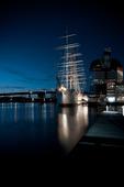 Barken Viking i skymning, Göteborg