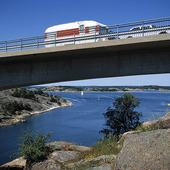 Husvagn på bro