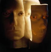 Skulptur av ansikte
