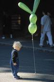 Pojke vid ballong