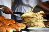 Bagare bakar bröd