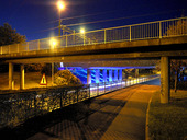 Belyst viadukt