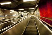 Rulltrappa vid tunnelbana