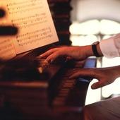 Orgelspel i kyrka