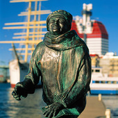 Taube statyn vid Lilla Bommen, Göteborg