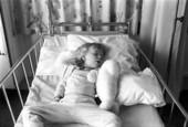 Flicka på sjukhus