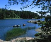 Kanoter i sjö