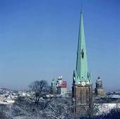 Kyrktorn i Göteborg på vintern