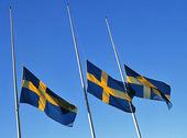 Svenska flaggan på halv stång