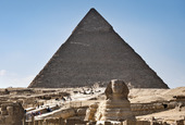 Sfinxen and Pyramid i Giza, Egypten