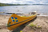 Kanot på strand