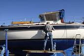 Vårpyssel i  båthamnen