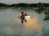 Barn som fiskar