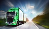Lastbil på motorväg