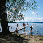 Badbrygga i sjö