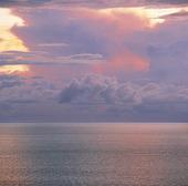 Ovädersmoln över havet