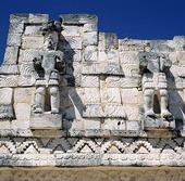 Reliefer av Maya i Chichen Itza, Mexico