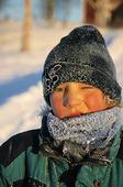 Pojke i vinterkyla