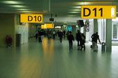 Resenärer på flygplats