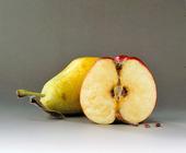 Päron och ett halvt äpple